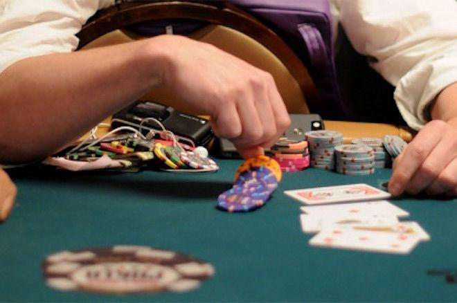 Tips for beginners in the context of playing poker games