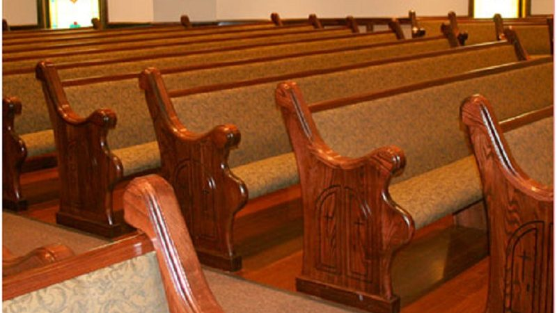 Avoid doing these 3 mistakes while buying church pews