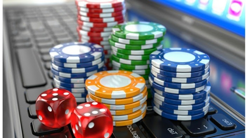 Is it legal to play baccarat online?