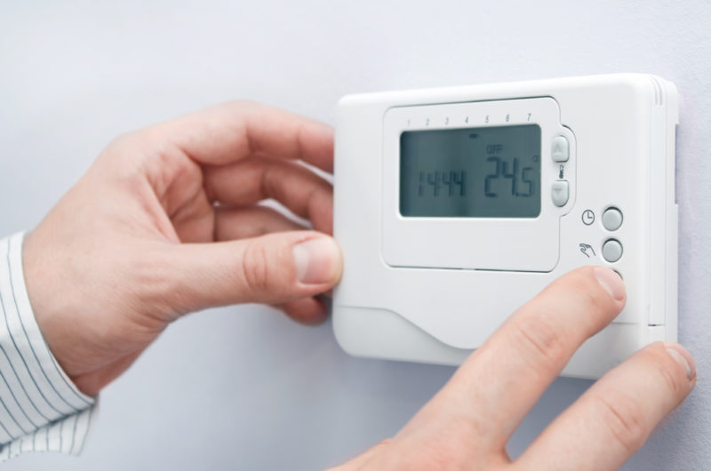 How Modern AC Thermostats Become So Popular. What Its Features?